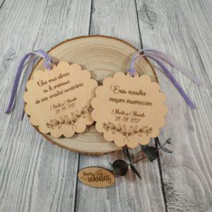 Placas de madera personalizadas con cinta de terciopelo
